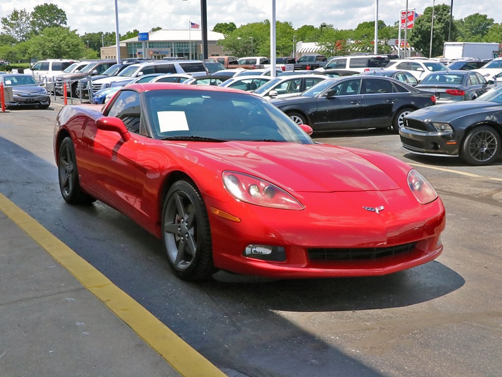 Pre-Owned 2007 Chevrolet Corvette Base RWD 2D Coupe