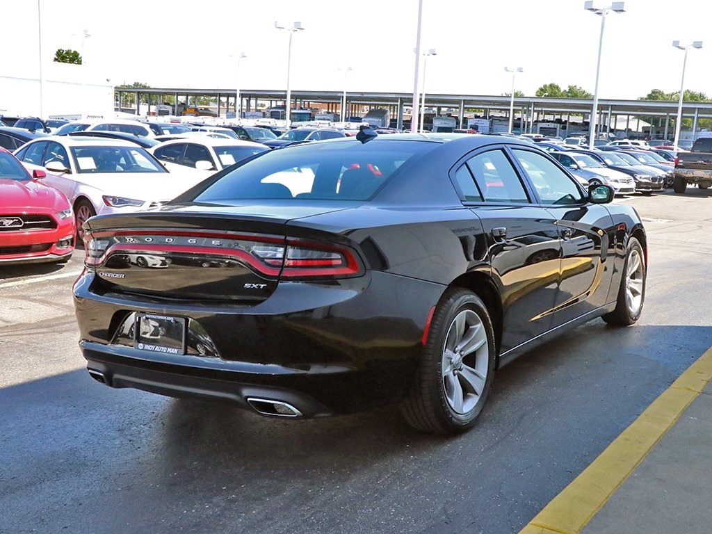 2017 Dodge Charger >> Pre Owned 2017 Dodge Charger Sxt Rwd 4d Sedan